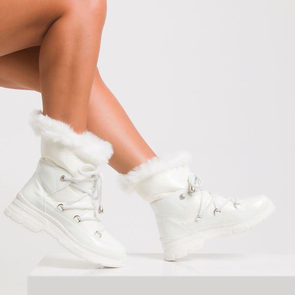 Favor Kadın Spor Bot Beyaz Rugan