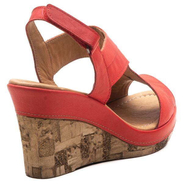 Aditya Kadın Dolgu Topuk Sandalet Kırmızı