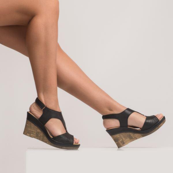 Anissa Kadın Dolgu Topuk Sandalet Siyah