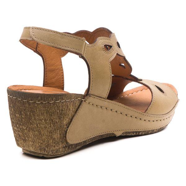 Alinda Kadın Dolgu Topuk Sandalet Kum