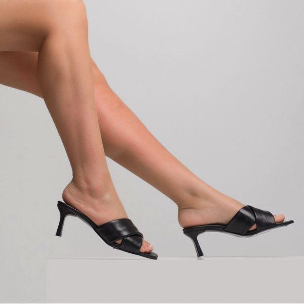 Jadrian Kadın Deri Terlik Siyah